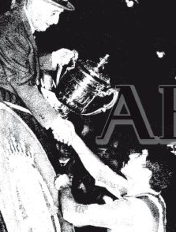 TEMPORADA 1964/1965. Collar recoge de nuevo su tercera Copa del Generalísimo