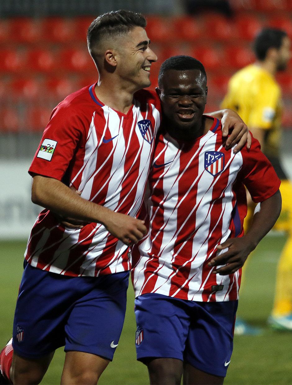 Atlético de Madrid B - Ponferradina | Moya y Obama celebran el segundo gol