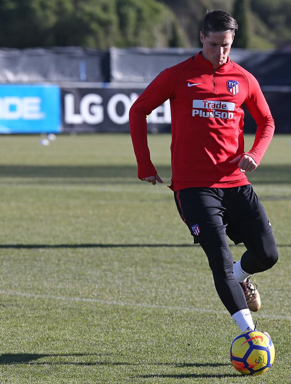 temporada 17/18. Entrenamiento en la ciudad deportiva Wanda. Torres durante el entrenamiento.