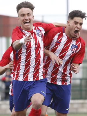 Temp. 17-18   Almendralejo - Atlético de Madrid Juvenil A. Agüero y Aitor Puñal