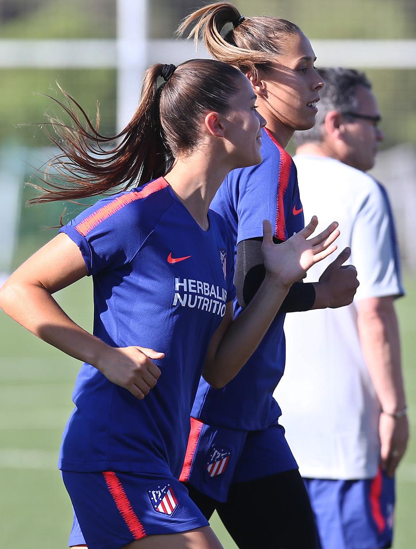 Temp. 18-19 | Primer entrenamiento del Atlético de Madrid Femenino en la Ciudad Deportiva Wanda | Viola