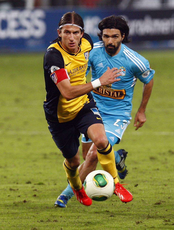 Temporada 13/14 Filipe Luis durante el partido ante el Sporting Cristal