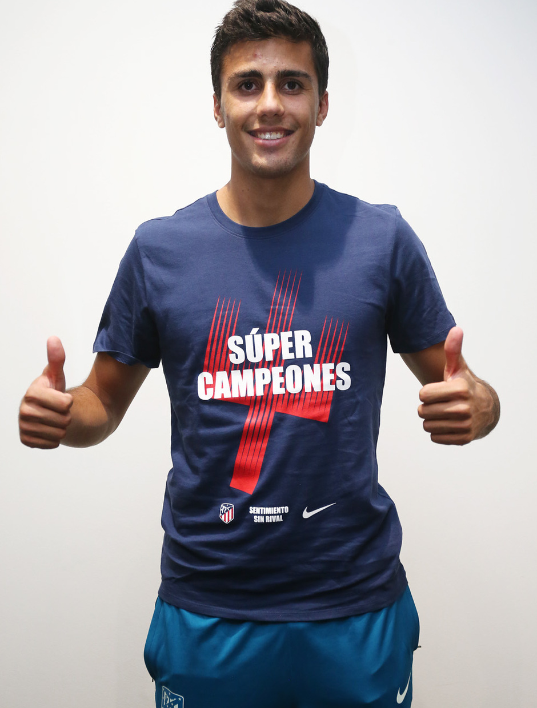 Temporada 2018-2019. Camiseta Súper Campeones. Rodrigo