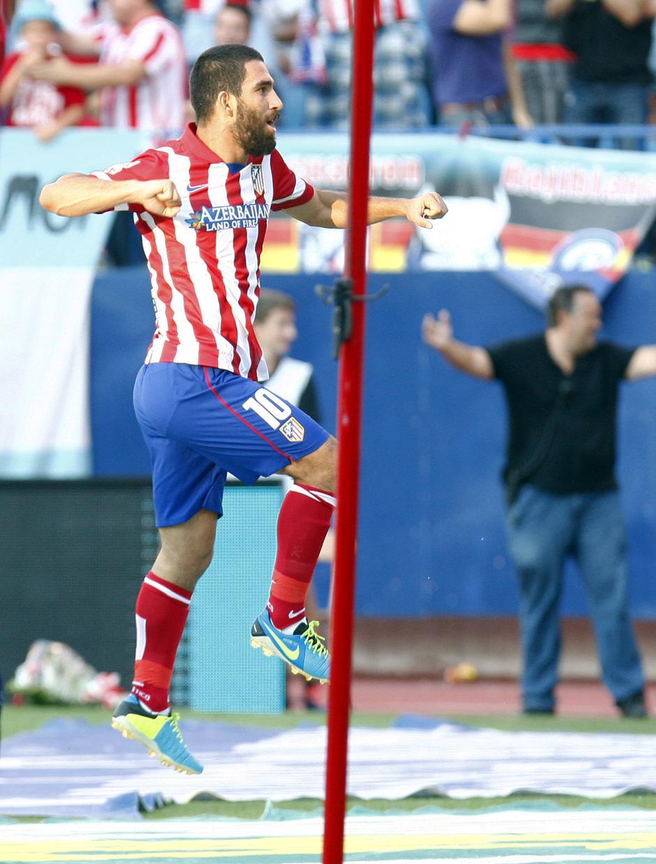 Temporada 2013/2014 Atlético de Madrid - Rayo Vallecano Arda Turan saltando tras el gol al Rayo Vallecano