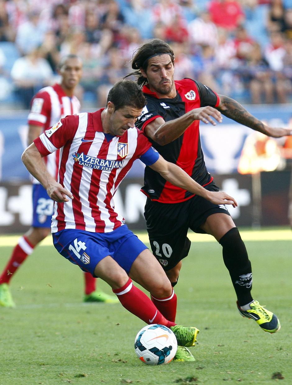 Temporada 2013/2014 Atlético de Madrid - Rayo Vallecano Gabi disputando la pelota