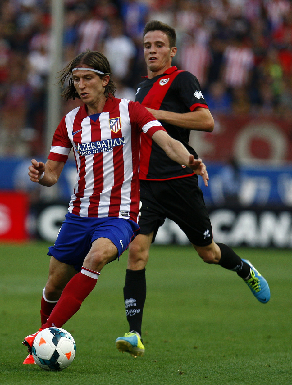 Temporada 13/14. Partido Atlético de Madrid- Rayo Vallecano. Filipe luchando un balón