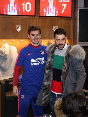 Temp. 18-19   Visita Torres y Villa al Wanda Metropolitano   Griezmann