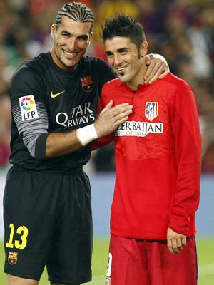 Temporada 2013/2014 FC Barcelona - Atlético de Madrid David Villa con José Manuel Pinto