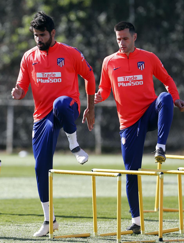 Temporada 18/19. Entrenamiento en la ciudad deportiva Wanda Atlético de Madrid. 22_03_2019. Diego y Kalinic.