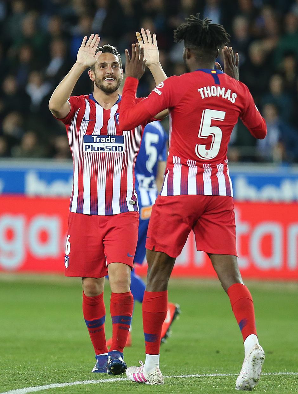 Temporada 18/19 | Alavés - Atlético de Madrid | Koke y Thomas celebración