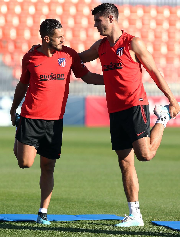 Temporada 18/19. Entrenamiento en la ciudad deportiva Wanda Atlético de Madrid. 16_04_2019. Koke y Morata.