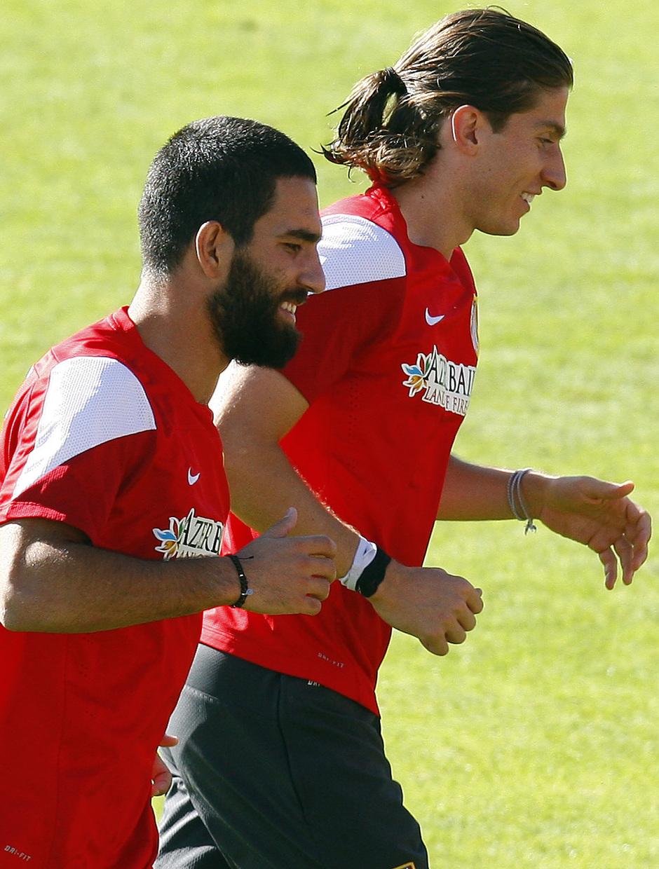 Temporada 13/14. Entrenamiento. Equipo entrenando en Majadahonda. Arda y Filipe corriendo