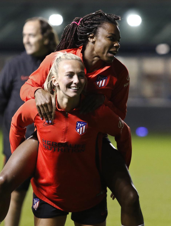 Temp. 19-20 | Entrenamiento en el Academy Stadium | Atlético de Madrid Femenino | Toni y Ludmila