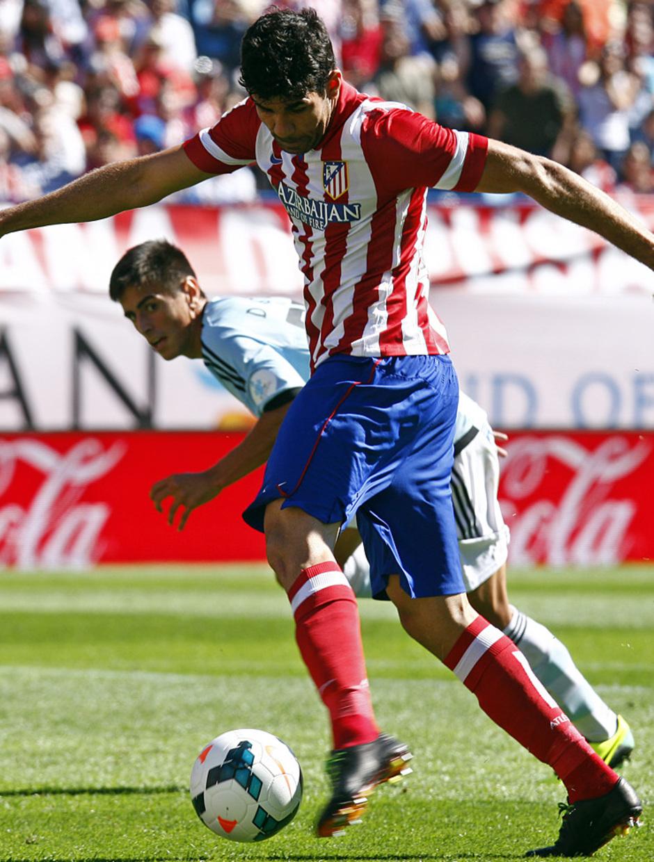 Temporada 13/14. Partido Atlético de Madrid-Celta. Vicente Calderón. Costa marcando gol