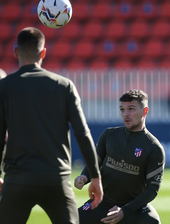 Temp. 20-21 | Entrenamiento Atlético de Madrid 20-11-2020 | Trippier