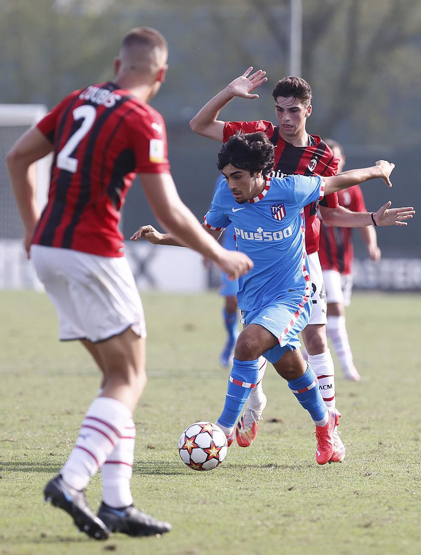 Temporada 2021/22 | Youth League | AC Milan - Atleti | Currás