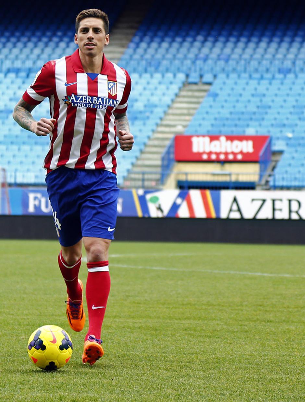 temporada 13/14. Acto presentación de José Sosa en el estadio Vicente Calderón