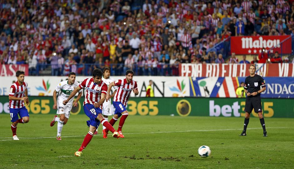 temporada 13/14. Partido Atlético de Madrid- Elche. Gol de penalty de Diego Costa