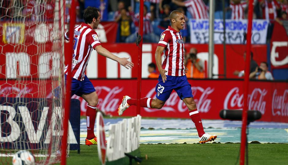 temporada 13/14. Partido Atlético de Madrid- Elche. Miranda celebración de gol