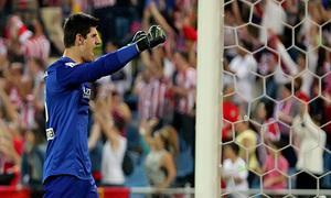 temporada 13/14. Partido Atlético de Madrid- Elche. Courtois celebrando un gol. ALEXANDER MARÍN