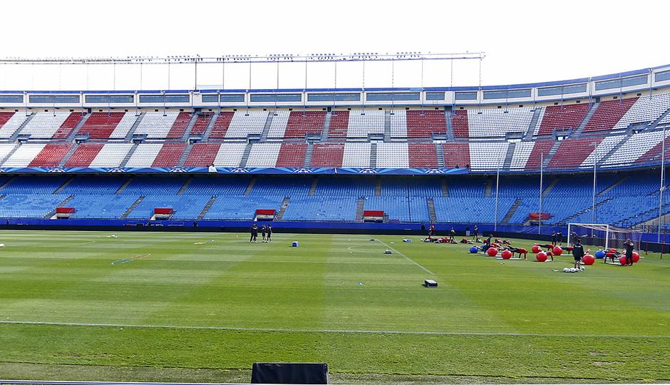 temporada 13!14. Entrenamiento en el estadio Vicente Caleron. Equipon entrenando