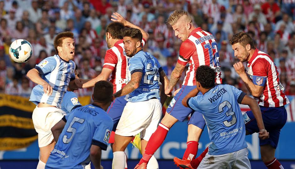 temporada 13/14. Partido Atlético de Madrid_Málaga. Gol de Alderweireld de cabeza