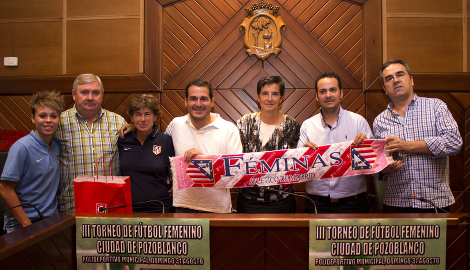 Temporada 14-15. Recepción oficial al Atlético Féminas en el Ayto. de Pozoblanco