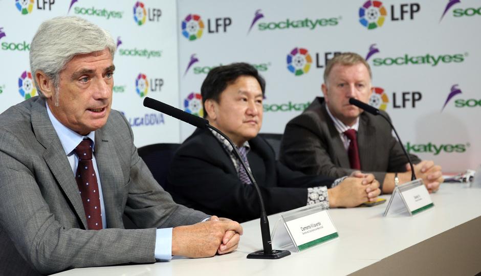 Acto de patrocinio con la LFP. Clemente Villaverde durante la presentación.
