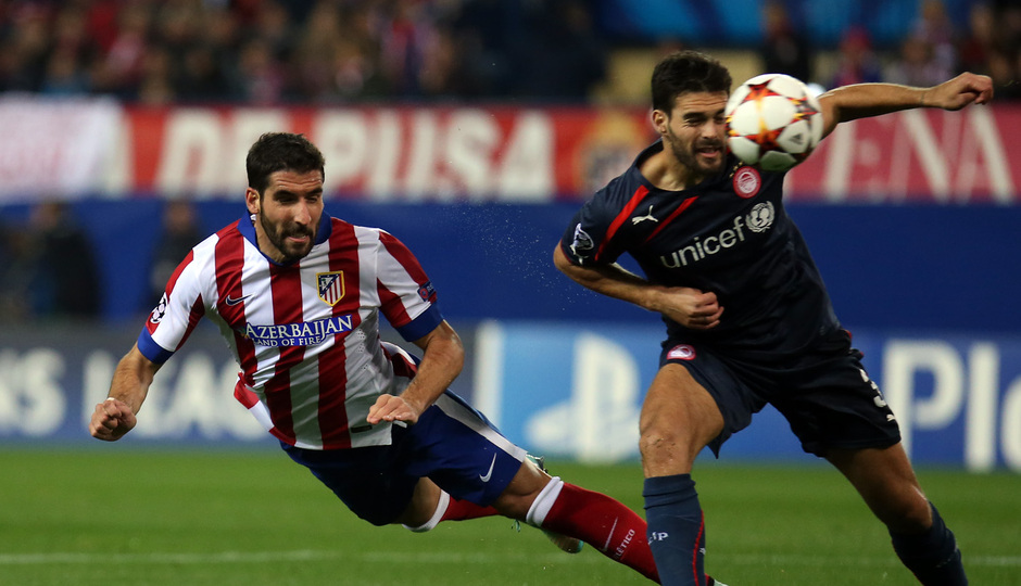 Temporada 14-15. Champions League. Atlético de Madrid-Olympiacos. Raúl García remata en plancha.