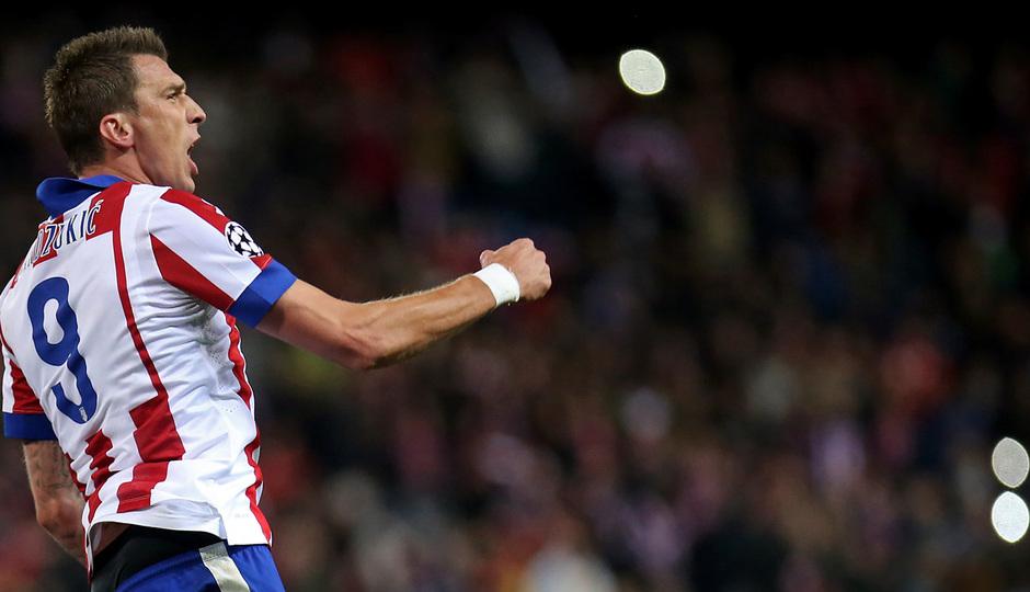 temporada 14/15. Partido Atlético de Madrid Olympiacos. Celebración de gol durante el partido