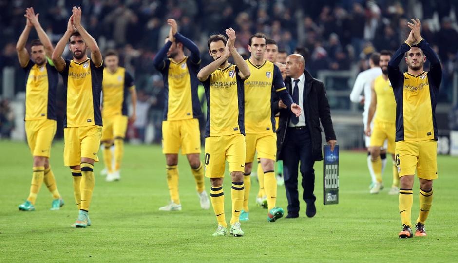 Temporada 14-15. Champions League. Juventus - Atlético de Madrid. El equipo aplaudió a los aficionados rojiblancos.