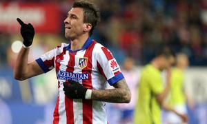 temporada 14/15. Partido Atlético de Madrid Hospitalet.  Mandzukic celebrando un gol durante el partido