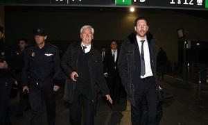 Copa del Rey 2012-13. Simeone se dispone a salir de la estación de Santa Justa