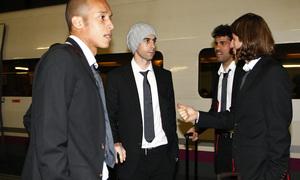 Copa del Rey 2012-13. Miranda, Tiago, Filipe y Diego Costa charlan tras bajar del AVE