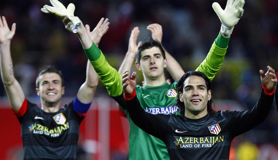 Gabi, Courtois y Falcao aplauden en Sevilla tras clasificarse
