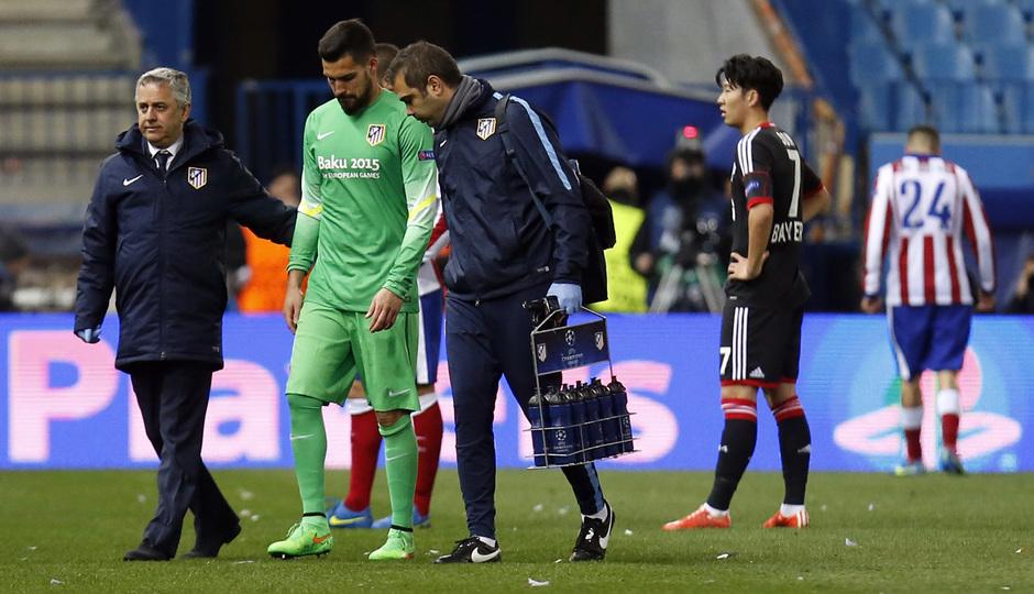 Atlético de Madrid - Bayer Leverkusen. Vuelta de octavos de final. Champions League. Moyá se retira lesionado