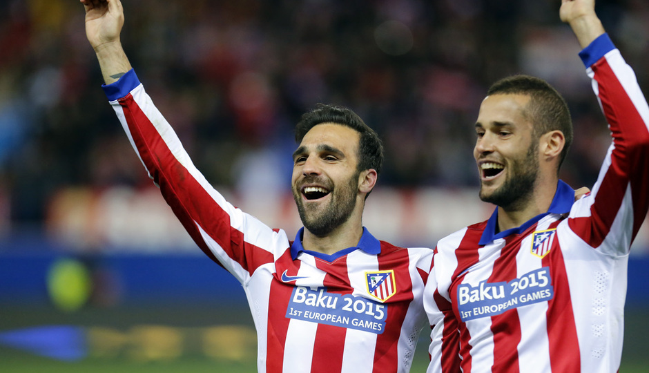temporada 14/15. Partido Atlético Bayer de Champions. Mario y Gámez celebrando el pase de ronda