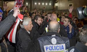 Temporada 12/13. Llegada.Semifinales de la Copa del Rey. Simeone llegando a la estación de atocha tras el partido en el Pizjuán