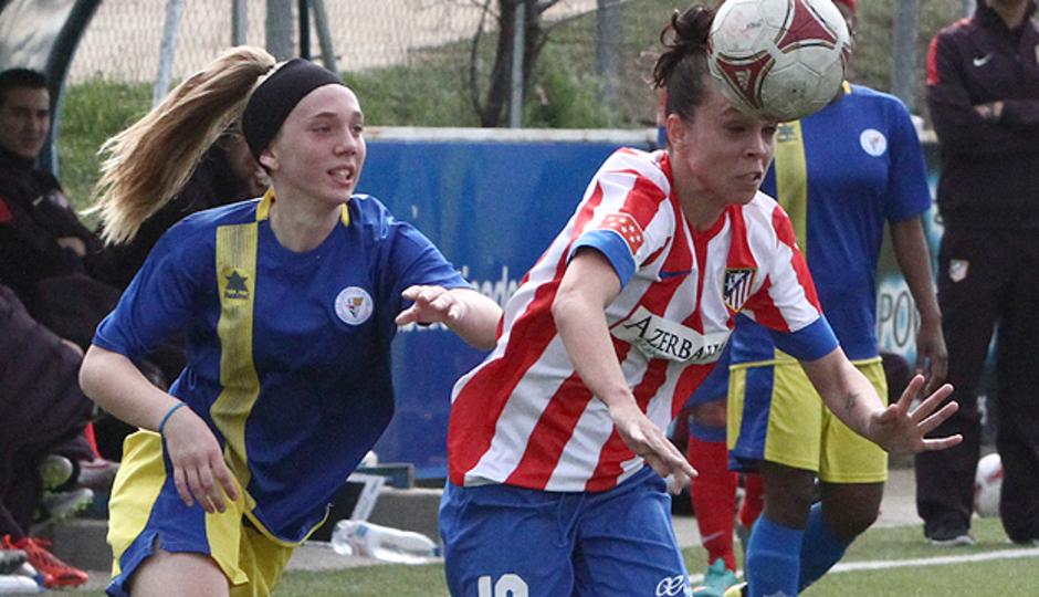 Temporada 2012-2013. Amanda durante una acción del partido ante el Levante Las Planas