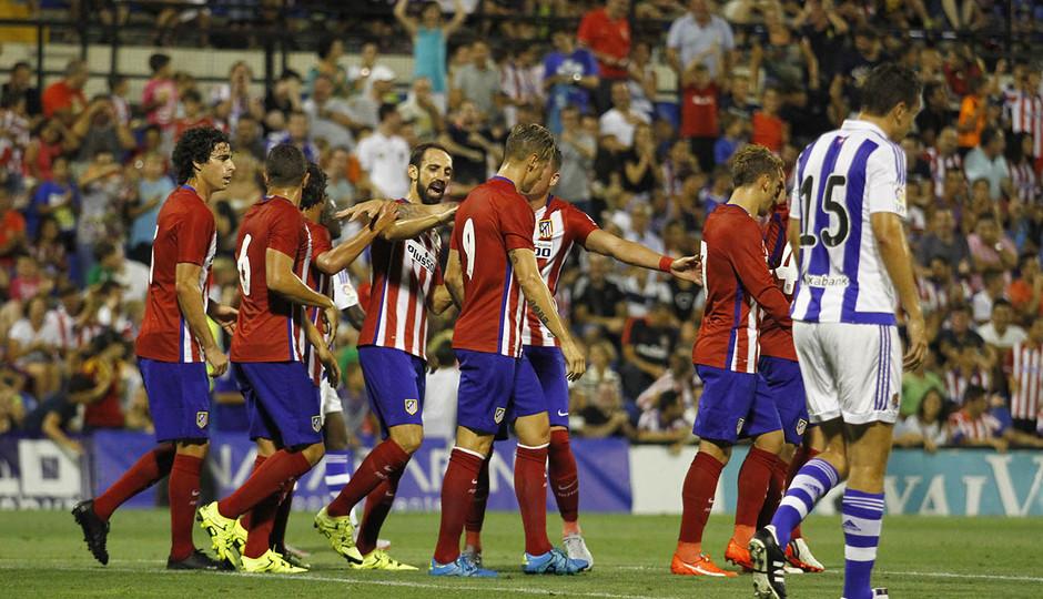 Partido amistoso Atlético de Madrid - Real Sociedad. El equipo celebra el primer tanto del partido