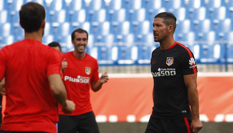 Temp. 2015-2016. Entrenamiento en el Calderón partido de la UD Las Palmas