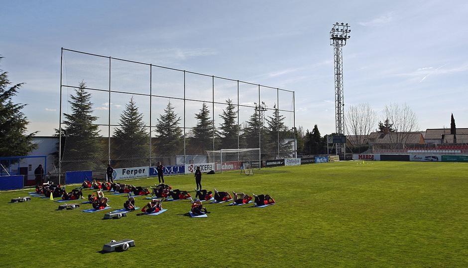 Temporada 12/13. Entrenamiento, equipo realizando ejercicios durante el entrenamiento en la Ciudad Deportiva de Majadahonda