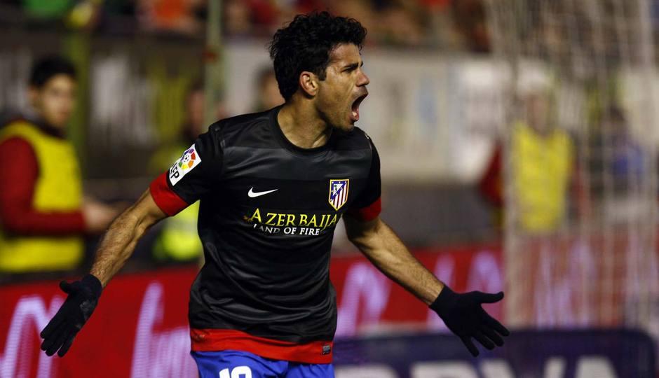 Diego Costa celebra el primer gol ante Osasuna en El Sadar