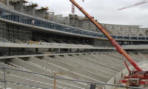 Vista del estado de las obras de la tribuna lateral del Nuevo Estadio