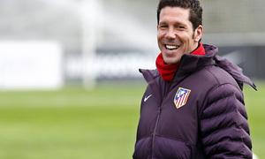 Temporada 12/13. Entrenamiento,Simeone sonriendo durante el entrenamiento en el Cerro del Espino