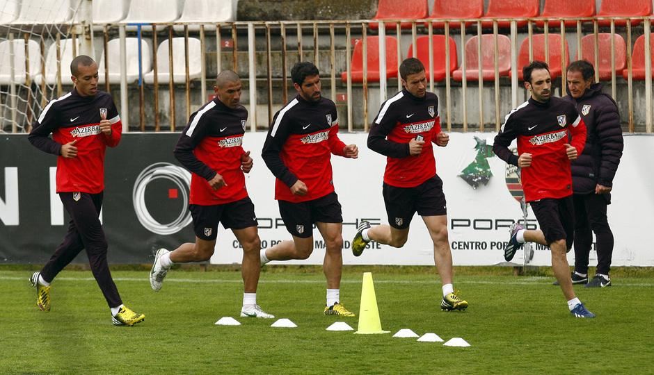 Temporada 12/13. Entrenamiento, varios jugadores corriendo en el entrenamiento en la Ciudad Deportiva de Majadahonda