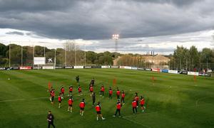 Plano general del entrenamiento de Jueves Santo del Atlético en Majadahonda