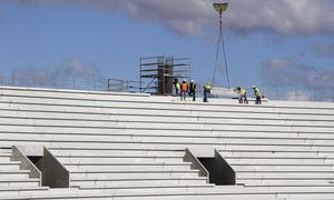 Nuevo estadio. Ejecución de pilono para apoyo de cubierta en el fondo norte