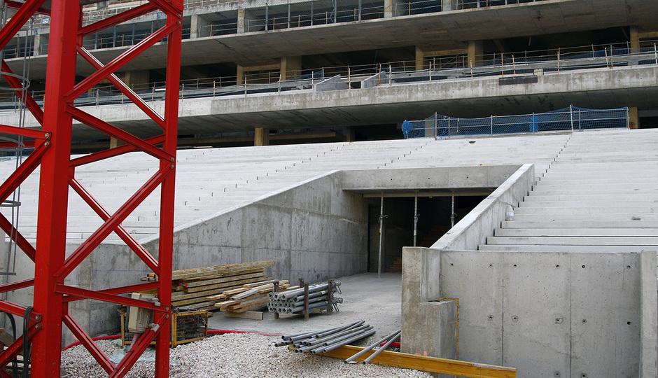 Nuevo estadio. Finalización del graderío en torno al túnel de vestuarios