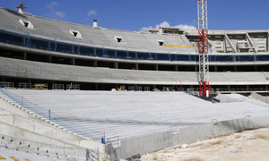 Nuevo estadio. Graderío del fondo norte completo casi en su totalidad